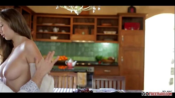 Connie Carter Cogiendo En La Cocina Para Desayuno