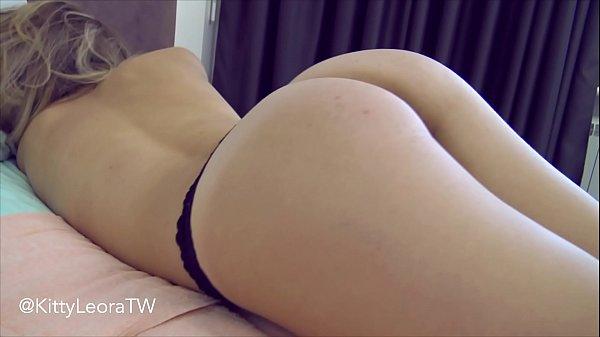 Kitty Leora Sexy Culito En Tanga Porno En Casa