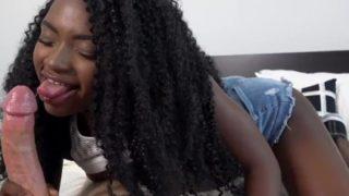 Jovencita Compañera de Piso se Permite Follar y Grabar